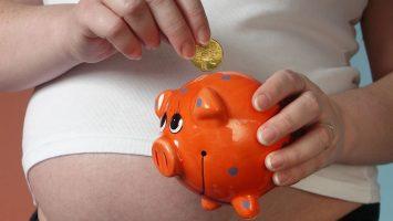 Peníze na mateřské