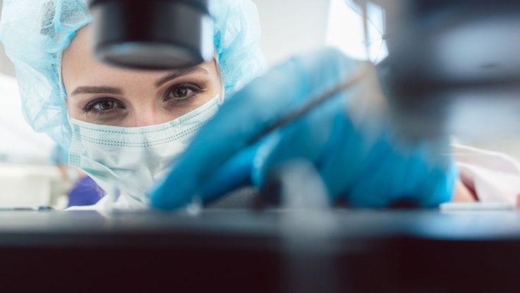 mražení ženských vajíček v tekutém dusíku
