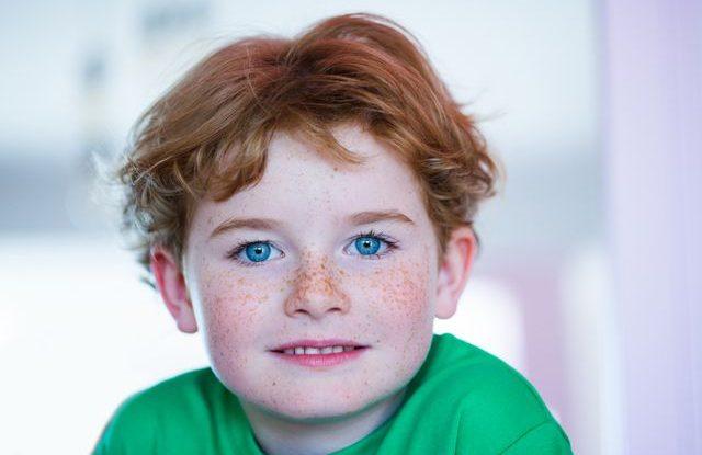 Barva očí u dětí